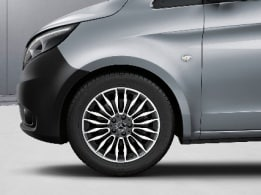 Vito Tourer, 45.7-cm (18-inch) 10-twin-spoke light-alloy wheels, painted in black with high-sheen finish